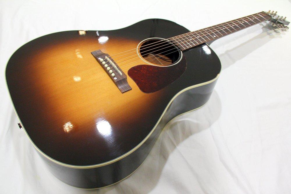 Gibson J-45 STANDRAD