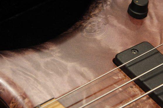 Marleaux Consat Signature 5弦の木目